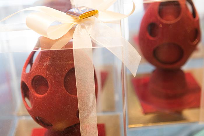 Uova di Pasqua classiche o decorate